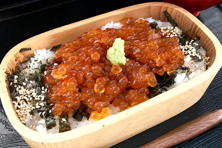 イクラめし(酢飯・白米)