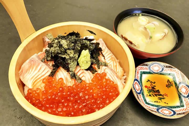 炙りサーモンいくら飯(((赤酢・白米)))